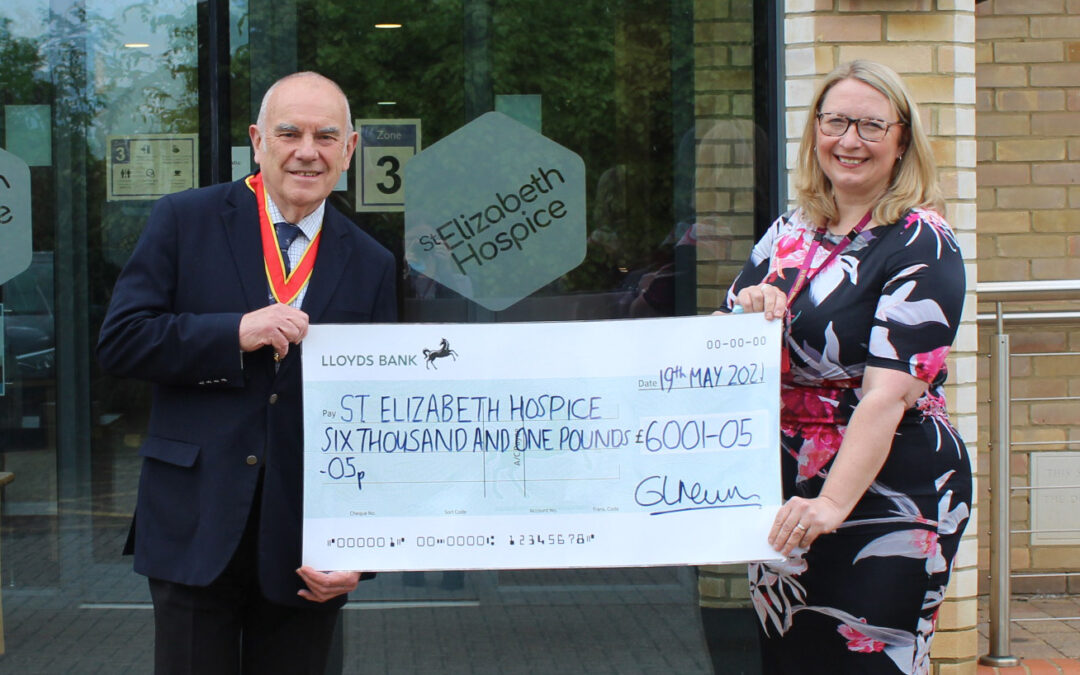 Over £6,000 raised for St Elizabeth Hospice by Suffolk County Council Chairman and local community